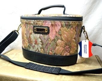 Lovely 1980s American Tourister Tapestry Carpet Mini Overnight Make Up Case