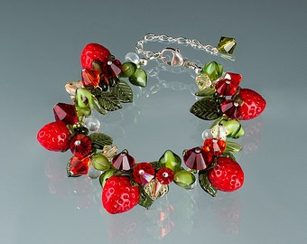 Strawberry Bracelet, adjustable length w glass strawberries + lobster clasp.  Art glass lampwork beads and Swarovski.  Gift for her.