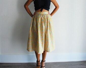 Vintage 80s high waisted floral print full skirt