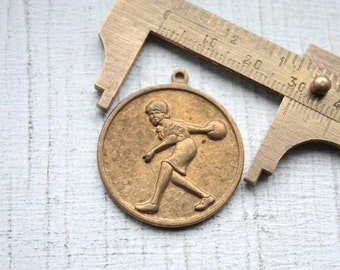 Vintage 1950s Bowling Pendant // 50s Round Brass or Gold Bowling Fan Charm // NOS Jewelry Supply