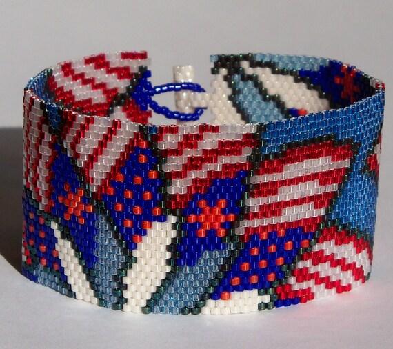 Patriotic pinwheels bracelet pattern peyote pattern from for Patriotic beaded jewelry patterns