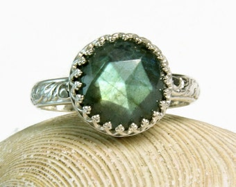 Sterling Green Labradorite Ring, Cocktail Ring, Handmade Custom Jewelry, Chunky Stone, custom sized