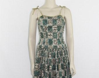 SALE.......Vintage Dress - 1950's ISLAND Tiki Novelty Print Hawaiian Beach Party Frock