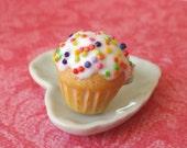 Vanilla cupcake ring