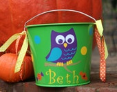 Personalized Halloween bucket 5qt with Owl, polka dots, candy with Trick or treat or Happy Halloween