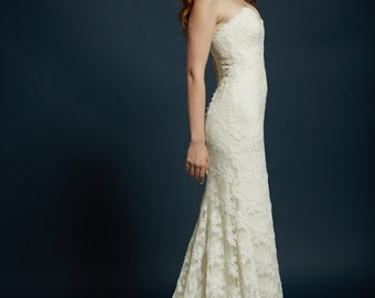 "Sample Gown for Sale! Romantic Strapless Sweetheart Neckline with Slight Fit and Flare Skirt and Scalloped Train, The ""Catherine"" Gown"