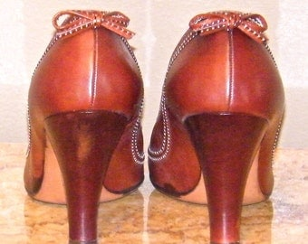 Vintage 1940s Pumps, Mahogany 40s High Heel Shoes with Bows, de Angelo for Hill and Dale Shoes, Size 5 1/2 Near Mint in Box