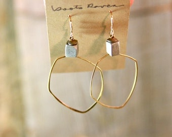 GEOMETRIC FREE FORM. Gold filled modern gold hoops.118