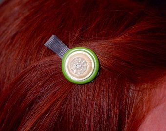 Romance in Lime Vintage Button Hair Clip
