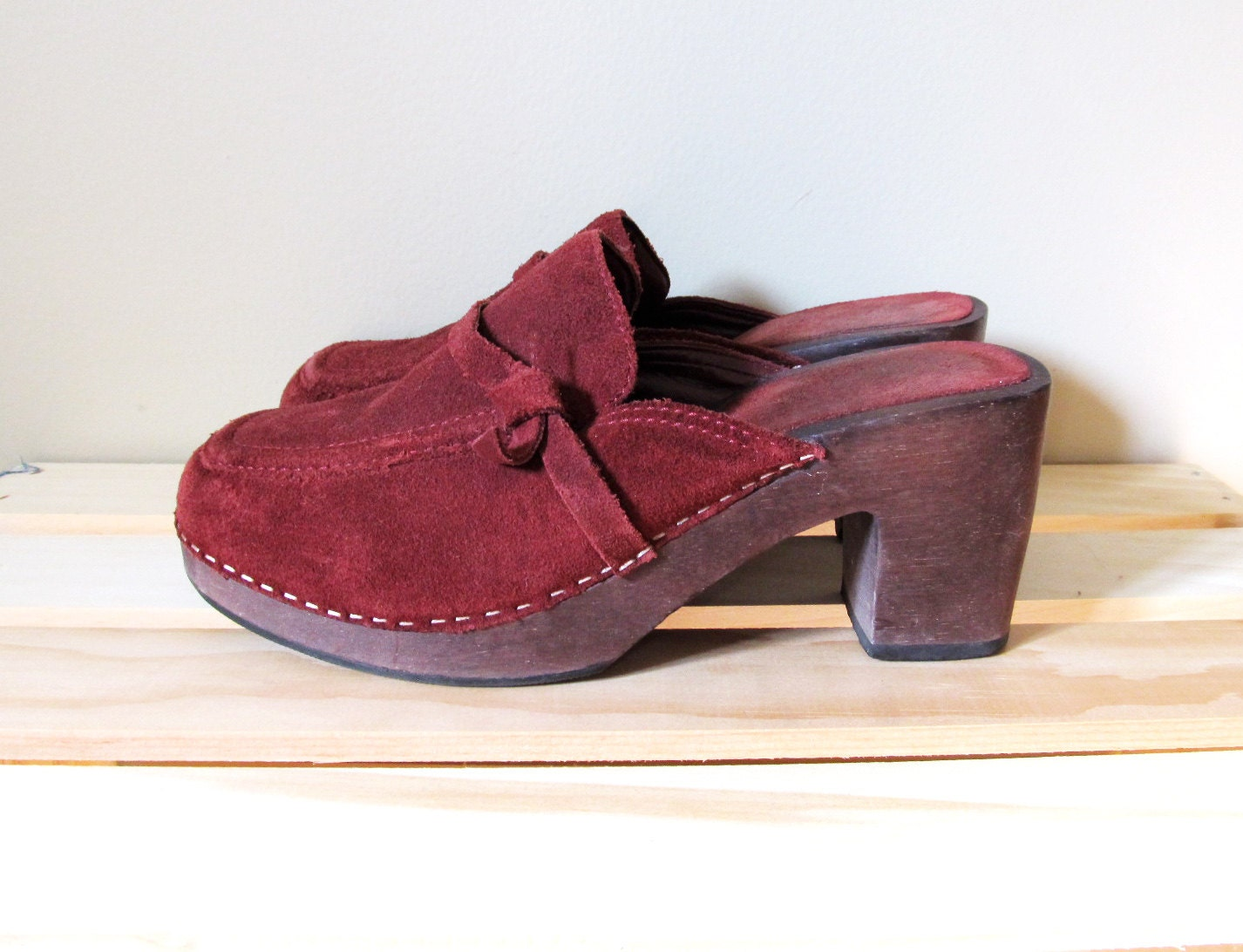 Vintage Clogs 70s Shoes Burgundy Red Suede Wooden Sole 1970s