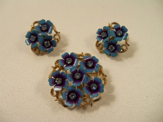 Classic Enamel and Rhinestone Brooch/Pendant and Clip Earrings in Gold tone set