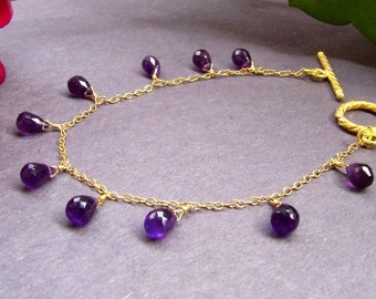 Sale Purple Amethyst Bracelet.  Natural Amethyst jewelry. Tiny teardrops. Gold Dainty Bracelet. February birthstone