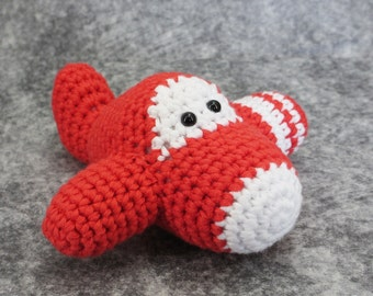 Baby rattle airplane - organic cotton - eco friendly crochet toy - red and white - bay gift - amigurumi airplane