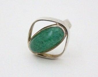 jade ring - 60s modernist ring - sterling silver jade ring - boho ring