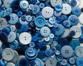 50 Mix Blue Buttons, Blue Berry Pie Mix, Assorted Size Mix Grab Bag Crafting Jewelry Collect (582)