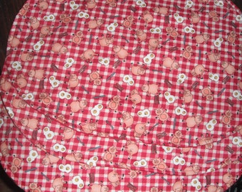 Place Mats / Set of Two / Pigs / Breakfast Place Mats / Red Gingham / gingham /breakfast