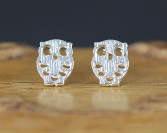 Sale - 925 Sterling Silver Owl Earrings - Owl Post Earrings - Owl Studs - Stocking Stuffer - Gift Idea under 15