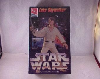 1995 Star Wars Luke Skywalker AMT Ertl Model Kit - Sealed in Plastic