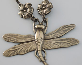 Vintage Necklace - Dragonfly Necklace - Nature Jewelry - Vintage Brass Necklace - handmade jewelry