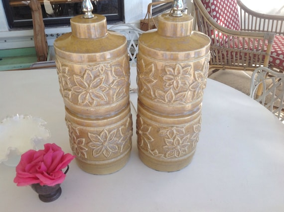FAB FLOWER LAMPS Hollywood Regency Mid Century Modern Style / Pair of Lamps at Retro Daisy Girl