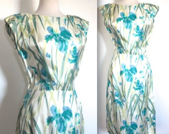 SOLD In store June 23/17 Vintage 1950's Dress // 50s 60s Blue Crocus Floral Wiggle Day Dress // Rockabilly Pin Up // DIVINE