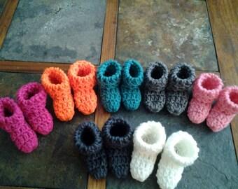 Crochet baby booties (0-3 months)