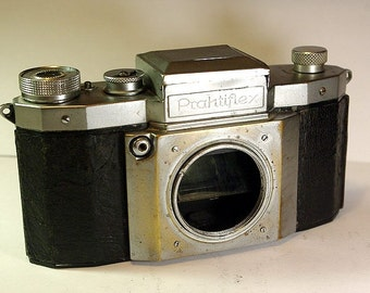 Antique Camera Praktifleks - body only. S/N:054268