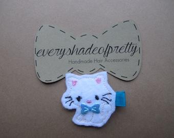 Kitten- white felt with blue  bow -  Felt Hair Clip--Piggy Tail Clips--girl hairclips-Toddler Clip