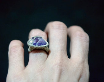 Amethyst Stone Ring, Unique Design Gemstone Ring, Linen Crochet Stone Ring