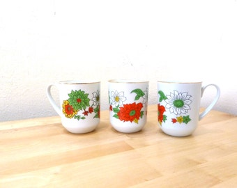 Vintage Floral Mugs / Creative Japan Mugs / Coffee Cups / Daisy Print / Small Coffee Cups / Flower Print / Poinsetta Mugs