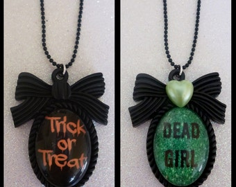 Halloween Cameo Necklace - Dead Girl or Scream Queen