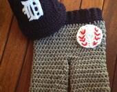 Newborn Detroit Tigers baby cap and pants set
