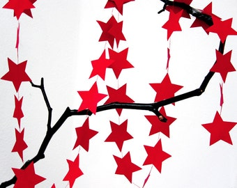 STAR paper garland in RED by renna deluxe