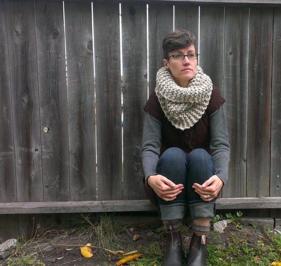Morrissey - chunky knit cowl, made to order, your choice of colour