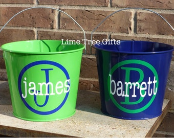 Personalized Bucket with name and circle initial