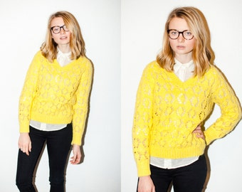 Bright Pale Yellow Chunky Open Knit V-Neck Sweater M