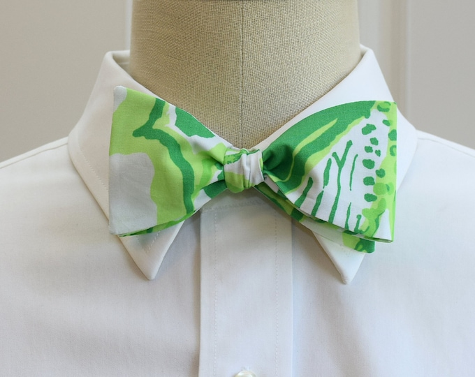 Men's Bow Tie, Heartbreakers green and white Lilly print bow tie, wedding bow tie, groom/groomsmen bow tie, Carolina Cup tie, prom bow tie,