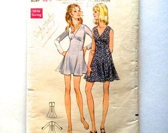 60s Butterick 5673 Flip Mini Dress with V Neckline, Long Sleeves or Sleeveless - Size 10 Bust 32