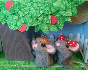 Valentines Day / Backyard Mouse Book  /Finger Puppets/  Book Home/ Birthday Gift