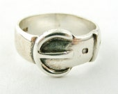 Vintage sterling silver heavy  buckle ring