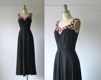 SALE vintage 1940s gown / 40s dress / Siren Songstress