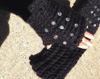 Fingerless gloves in Bulky Black Yarn