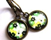 Retro Green Flower Pattern Earrings 1960s Style Fashion Jewelry