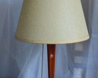Vintage Bakelite Lamp with Risque Base, Nightstand Lamp, Nude Figures on Base, Still Works
