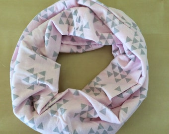 Jersey knit infinity scarf - pink with gray triangles