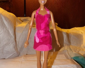 Pink camoflage print mini skirt and halter top for Fashion Dolls - ed723