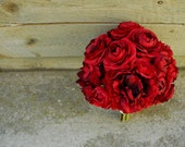Red Crimson Ranunculus Stem RSVD for goinsb1003