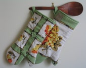 A Pair Of Framed Fruit Eco Friendly Long Oven Gloves