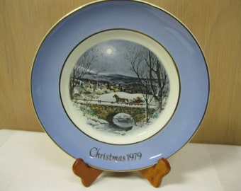 Christmas in July SALE Holiday Plate Series 1979 Avon Dashing Through Snow Seventh Edition Great Condition In Original Box Holiday Treasure