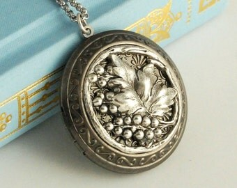 Large Silver Grapevine Locket Necklace, grapevines leaves berries wine lover vineyard dark pendant Birthday Anniversay Gift gifts for her
